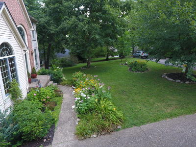 Louisville Single Family Home For Sale: 710 Jarvis Woods Terrace