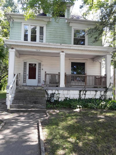 Louisville Single Family Home For Sale: 3638 River Park Dr