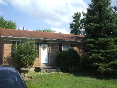 Shelbyville Single Family Home For Sale: 1801 Oakwood Dr