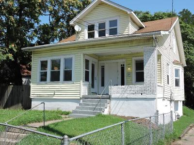 Louisville Single Family Home For Sale: 2101 Saint Xavier St