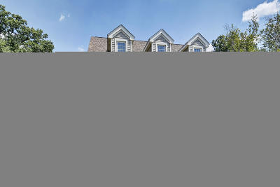 Louisville Single Family Home For Sale: 9601 Meghan Ln