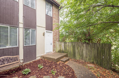 Louisville Condo/Townhouse For Sale: 11503 N Tazwell Dr