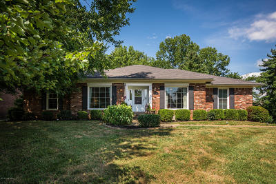 Louisville Single Family Home For Sale: 737 Greenridge Ln