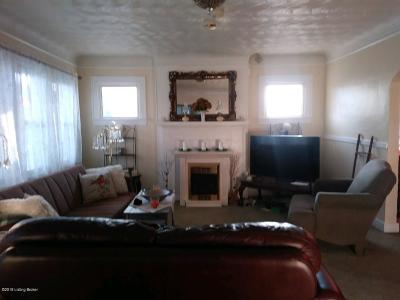 Shepherdsville Single Family Home For Sale: 250 E Joe B Hall Ave