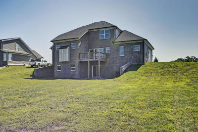 Oldham County Single Family Home For Sale: 1206 Summit Parks Dr