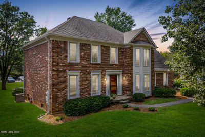 Louisville Single Family Home For Sale: 8902 Yellow Wood Pl