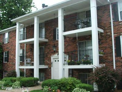 Louisville Condo/Townhouse For Sale: 3303 Colonial Manor Cir #3B