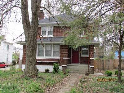 Single Family Home Sold: 216 Central Avenue