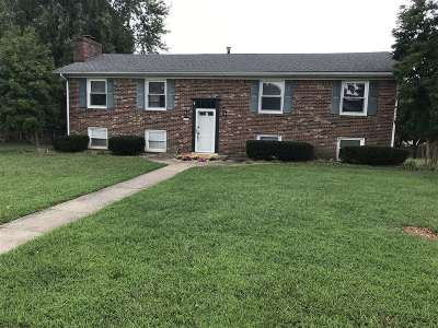 Elizabethtown Single Family Home For Sale: 1023 Shawnee Drive