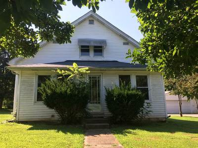Muldraugh Single Family Home For Sale: 103 E Garnettsville Road