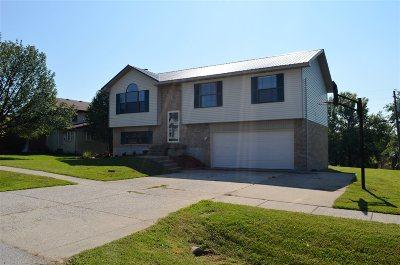 Elizabethtown Single Family Home For Sale: 218 Eagle Way