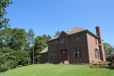 Single Family Home Sold: 328 Woodsbend Drive