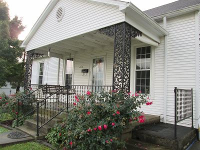 Hodgenville Single Family Home For Sale: 114 W Forest Avenue