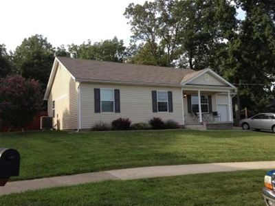 Radcliff Single Family Home For Sale: 136 Joy Court
