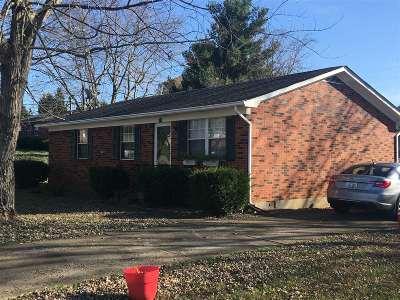Elizabethtown Single Family Home For Sale: 100 Blue Bird Court