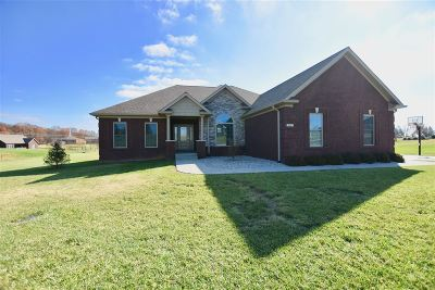 Elizabethtown Single Family Home For Sale: 65 Wexford Drive