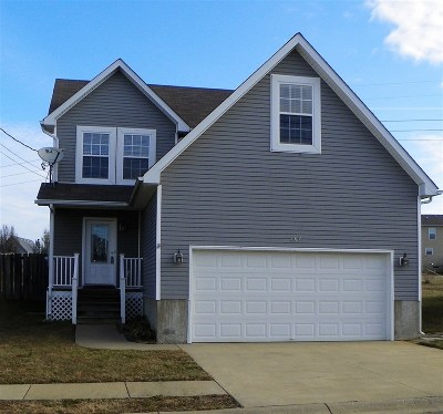 Radcliff KY Single Family Home For Sale: $130,900