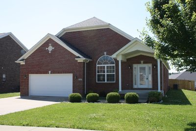 Vine Grove Single Family Home For Sale: 422 Cabernet Drive
