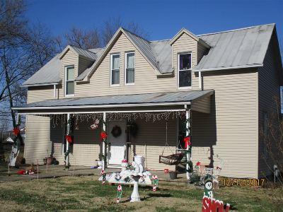 Irvington Single Family Home For Sale: 307 E Maple Street