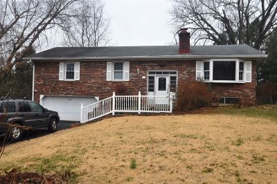 Radcliff KY Single Family Home For Sale: $133,900
