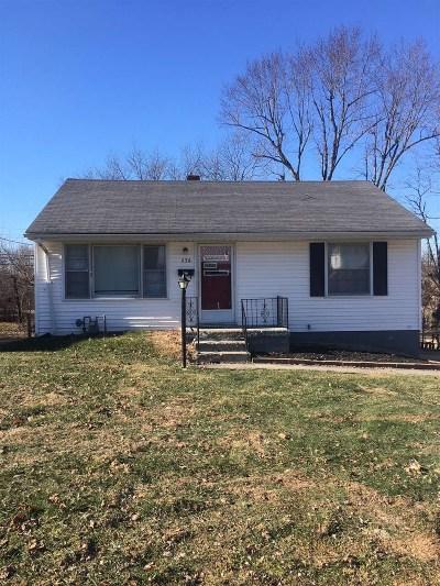 Elizabethtown Single Family Home For Sale: 538 Village Drive
