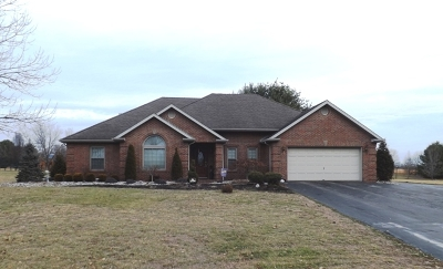 Campbellsville Single Family Home For Sale: 211 Cambridge Way