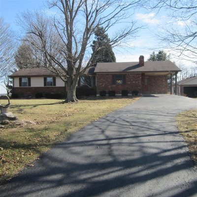 Vine Grove Single Family Home For Sale: 2400 Rabbit Run Road