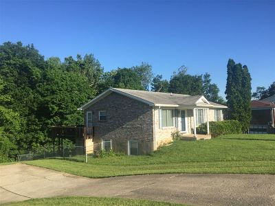 Radcliff KY Single Family Home For Sale: $120,000