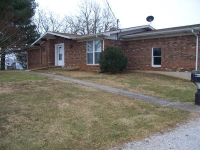 Hodgenville Single Family Home For Sale: 382 S Greensburg Street