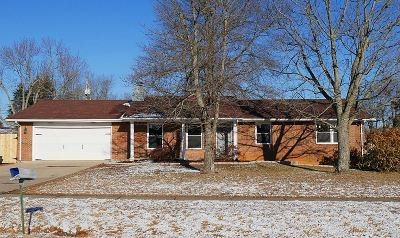 Radcliff KY Single Family Home For Sale: $189,000
