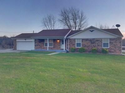 Vine Grove Single Family Home For Sale: 825 Lancaster Road