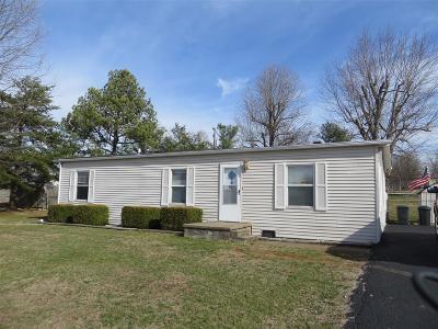 Vine Grove Single Family Home For Sale: 412 S Mill Street