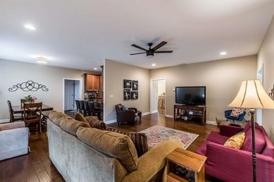 Bardstown Single Family Home For Sale: 107 Lorenza Circle