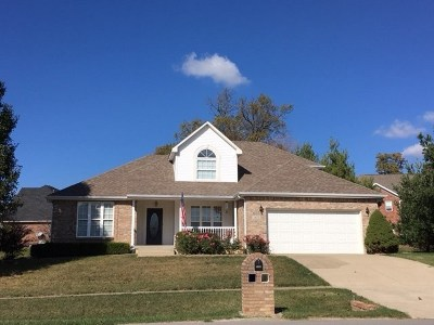 Elizabethtown Single Family Home For Sale: 1102 Colony Drive