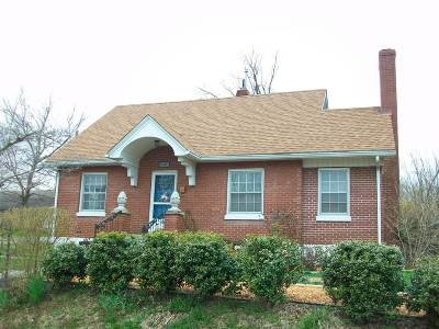 Elizabethtown Single Family Home For Sale: 106 N Maple Street