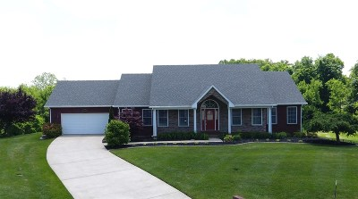 Elizabethtown Single Family Home For Sale: 114 Deercreek Lane