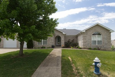 Elizabethtown Single Family Home For Sale: 506 Covenant Drive