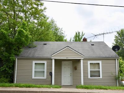 Elizabethtown Single Family Home For Sale: 511 N Miles Street