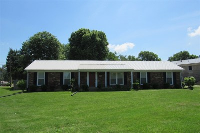 Radcliff Single Family Home For Sale: 600 S Logsdon Parkway