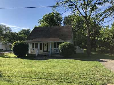 Muldraugh Single Family Home For Sale: 101 E Garnettsville Road