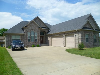 Vine Grove Single Family Home For Sale: 121 Victory Lake Drive