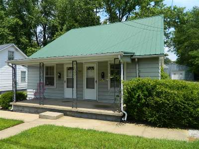 Meade County, Bullitt County, Hardin County Multi Family Home For Sale: 735 Hawkins Drive