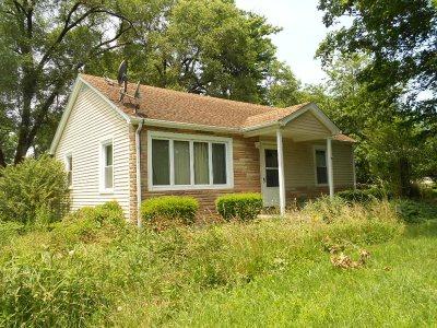 Meade County, Bullitt County, Hardin County Single Family Home For Sale: 313 Knox Avenue