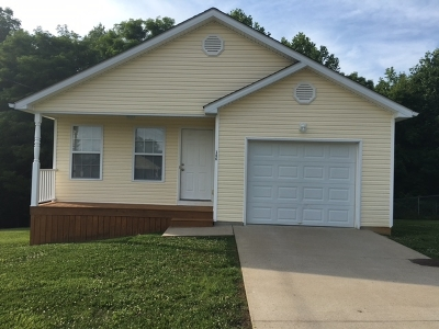 Meade County, Bullitt County, Hardin County Single Family Home For Sale: 306 Cottrell Lane