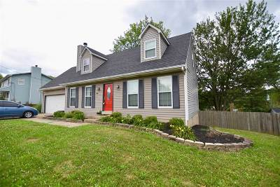 Elizabethtown Single Family Home For Sale: 306 Oak Valley Drive