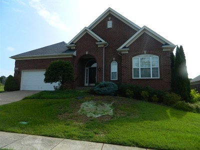 Elizabethtown Single Family Home For Sale: 213 Evergreen Garden