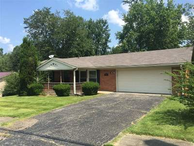 Radcliff Single Family Home For Sale: 836 Scenic Drive