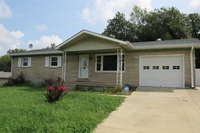Radcliff  Single Family Home For Sale: 372 Berkley Court