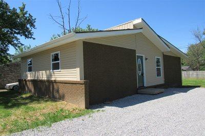 Vine Grove Single Family Home For Sale: 109 Hemlock Street