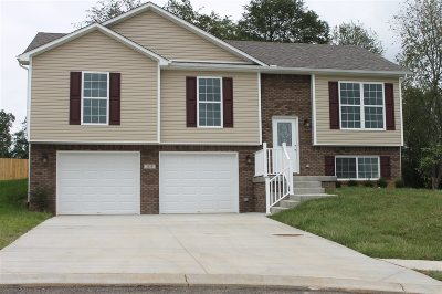 Elizabethtown Single Family Home For Sale: 105 Clair Court